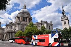 DSC_8955 St Paul's Cathedral London The Original Tour Bus (photographer695) Tags: st pauls london cathedral the original tour bus