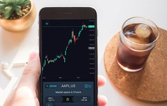 trading apple (SimpleFX) Tags: cryptocurrency crypto forex cfd daytrading bitcoin dash ripple ethereum litecoin