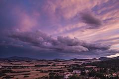 """""""Y el Cielo se rompió..."""" (""""And Heaven broke ..."""") (Capuchinox) Tags: nubes clouds cielo sky tormenta storm valle valley naturaleza nature españa spain navarra canon color colour"""