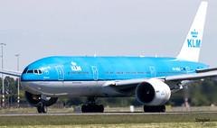 Boeing 777 PH-BQE KLM (Dawlad Ast) Tags: aeropuerto internacional international airport schiphol amsterdam ams holanda holland spotting aviation aviacion avion plane airplane aircraft mayo may 2019 boeing 777206er phbqe klm sn 28691 epidaurus b777 777 despegue takeoff take off polderbaan