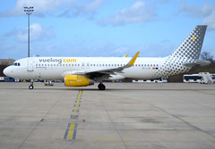 EC-LVS, Airbus A320-232(SL), c/n 5599, VY-VLG-Vueling-Vueling Airlines, CDG/LFPG 2019-03-10, leaving Quebec ramp @ T3. (alaindurandpatrick) Tags: vy vlg vueling vuelingairlines airlines airliners jetliners minibus airbus airbusa320 a320 airbusa320200 a320200 cdg lfpg parisroissycdg airports aviationphotography eclvs cn5599 a320232sl airbusa320232sl