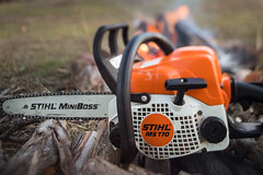 Stihl (Photos by Dave Rech) Tags: 6dii chainsaw fire freelensing june2019 shallowdof