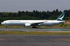 Cathay Pacific | Boeing 777-300 | B-HNU | Tokyo Narita (Dennis HKG) Tags: aircraft airplane airport plane planespotting oneworld canon 7d 70200 tokyo narita rjaa nrt cathay cathaypacific cpa cx boeing 777 777300 boeing777 boeing777300 bhnu