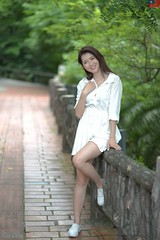 雪倫 (玩家) Tags: 2019 台灣 台北 花博公園 人像 外拍 正妹 模特兒 雪倫 戶外 定焦 無後製 無修圖 taiwan taipei portrait glamour model girl female sharon wang outdoor d610 85mm prime