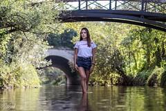 IMG_6405 (aochlesia13) Tags: riviere river pont bridge femme nature eau romantique lumiere natural french française aubagne huveaune canon eso80d 50mm bokeh