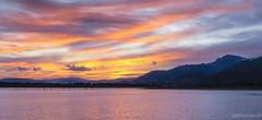Atardecer en Santillana-Manzanares el Real (AM Hernando) Tags: paisaje landscape agua manzanareselreal water nubes clouds madrid spain
