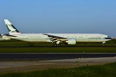 B-HNR (Cathay Pacific) (Steelhead 2010) Tags: cathaypacific boeing b777 b777300er breg bhnr yyz