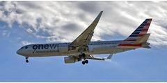American Airlines N343AN (Stefan Wirtz) Tags: n343an zrh lszh americanairlines boeing b767 b767323 boeingb767 boeingb767323 kloten zürich zürichairport zürichflughafen zurich kantonzürich airportzürich aeroportzurich flughafenzürich flughafen flugzeug passagiermaschine passagierjet jet jetplane plane airplane aeroplane düsenflugzeug widebody langstreckenflugzeug grossraumflugzeug runway runway34 anflug departure canon tamron schweiz suisse switzerland himmel wolken cockpit