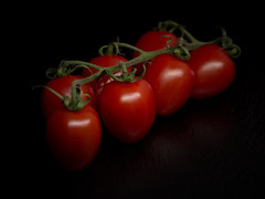 Tomatoes (Maximilian Busl) Tags: food vegetable salad red tabletop stilllife tomatoes hasselblad cfv50c 500cm