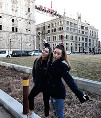 Two random ladies at the Pabst Brewery Complex - Milwaukee, WI (The Bouncing Czech) Tags: wisconsin milwaukeewi