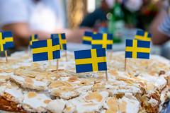 Colourful (Maria Eklind) Tags: dof cake studentfest flower sweden stockholm tårta flag depthoffield älvsjö stockholmslän sverige