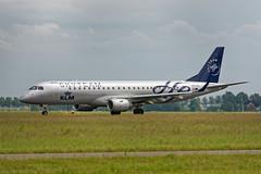 E195_KLM_Cityhopper_PH_EZX_Skyteam_CS_JDB_8346 (Jan van der Heul) Tags: schiphol schipholairport civilaviation aircraft airplane eham ams