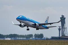 E175_KLM_Cityhopper_PH_EXO_JDB_8308 (Jan van der Heul) Tags: schiphol schipholairport civilaviation aircraft airplane eham ams