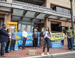 DNC Climate Debate Petition Delivered (GP USA) Tags: climate democratic national committee fossilfuel oil washington dc speaker activist banner stephan districtofcolumbia unitedstatesofamerica hornbrook