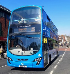 First Norwich 36179 is on Castle Meadow while on route 25 to University. - BD11 CDY - 1st April 2019 (Aaron Rhys Knight) Tags: firsteasterncounties firstnorwich blueline 36179 bd11cdy 2019 castlemeadow norwich norfolk first wrighteclipsegemini2 volvob9tl
