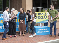 DNC Climate Debate Petition Delivered (GP USA) Tags: climate democratic national committee fossilfuel oil washington dc speaker activist banner hornbrook stephan districtofcolumbia unitedstatesofamerica