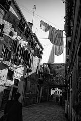 Juste pour jouer avec la lumière (Stephane Rio 56) Tags: printemps venise europe ville nb italie bw italy life rue street town venice vie spring