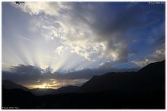 Sunset in Val d'Astico / Tramonto in Val d'Astico (daril77) Tags: italy italia veneto vicenza piovenerocchette piovene valdastico tramonto sunset clouds nuvole 7d eos7d eos canon rays raggi