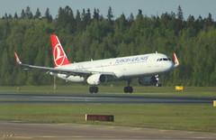 TC-JTM Turkish Airlines TC-JTM Airbus A321-231 flight TK1763 arrival at Helsinki HEL Finland from Istanbul IST Turkey (Cupertino 707) Tags: tcjtm turkish airlines arrival helsinki hel finland from istanbul ist turkey turkishairlines airbus a321231 flight tk1763