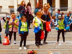 Kids in Trafalgar Square. (gerrypopplestone) Tags: children trafalgarsquare