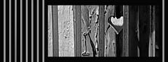 Cœur prisonnier - Prisoner's heart. (Terra Pixelis) Tags: nikond810 noiretblanc noirblanc bw coeur ungersheim écomusée hautrhin 68 alsace volet crochet barreaux