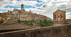 Siena, Italy (Randy Durrum) Tags: siena italy tuscany duomo bells clouds cloud durrum samsung galaxy s9 plus
