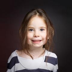 CF044001-Ma star, ma fille.... (Plume.photo) Tags: enfant kid kids portrait portraitmf phaseone moyenformat studio