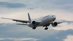Air France 777 Approach (Ben_Senior) Tags: montreal quebec canada montrealinternationalairport montrealairport dorvalairport dorval cyul yul cloud clouds cloudy blue planespotting bensenior nikond7100 nikon d7100 widebody longrange longhaul generalelectric ge fgznu boeing 777 77w 777300er b777 b77w b777300er ge90 ge90115b landing final finalapproach shortfinal airfrance af afr