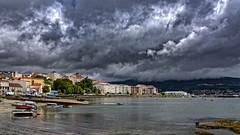 Panorámica de Moaña (Pontevedra) (Fotgrafo-robby25) Tags: barcosdepescadores barcosderecreo edificiosdeviviendas españa galicia lugares moañapontevedra nubes puertospesqueros rocas ríadevigo sonyilce7rm3 transportes