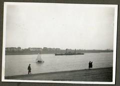 . (Kaïopai°) Tags: old vintage alt düsseldorf 1929 ausflug 1920er 1920s rhein segler segelboot rheinschiff dampfer dampfschiff steamer rhine rheinufer oberkassel raddampfer