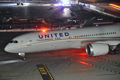 N29971 (Rich Snyder--Jetarazzi Photography) Tags: unitedairlines united ual ua boeing 787 7879 dreamliner b787 b789 n29971 arriving arrival nose front sanfranciscointernationalairport sfo ksfo millbrae california ca airplane airliner aircraft jet plane jetliner ramptowera rcta atower dark night lights