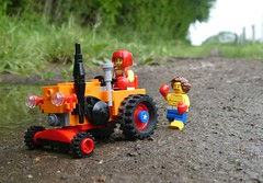 Fitness-Trecker (2/2) (captain_j03) Tags: toy spielzeug 365toyproject lego minifigure minifig moc car auto trecker tractor lanz bulldog lanzbulldog