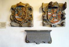 escudos de los Condes de Vianden Castillo de Vianden Luxemburgo (Rafael Gomez - http://micamara.es) Tags: escudos de los condes vianden castillo luxemburgo