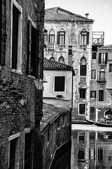 Parlare (Stephane Rio 56) Tags: printemps venise ville europe italie italy life rue street town venice vie spring