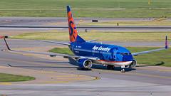 MSP N710SY (Moments In Flight) Tags: minneapolisstpaulinternationalairport msp kmsp suncountry n710sy boeing 737 737700 73773v