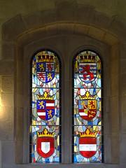 ventana vidrieras escudos heraldicos Salon de los Caballeros interior Castillo de Vianden Luxemburgo (Rafael Gomez - http://micamara.es) Tags: ventana vidrieras escudos heraldicos salon de los caballeros interior castillo vianden luxemburgo
