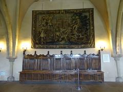 tapiz y banco de madera Salon de los Caballeros interior Castillo de Vianden Luxemburgo (Rafael Gomez - http://micamara.es) Tags: tapiz y banco de madera salon los caballeros interior castillo vianden luxemburgo