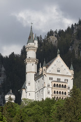 Schloss Neuschwanstein (HendrikSchulz) Tags: 2019 allgäu familie urlaub schlossneuschwanstein schloss neuschwanstein burg castle canoneos7dmarkii 7d2 canonef70200f4lusm canon canonef14xiii extender telconverter