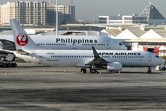 Japan Airlines - Boeing 737-846(WL) / JA320J @ Manila (Miguel Cenon) Tags: japan airplane boeing jal japanairlines b737 boeing737 airplanespotting b738 rpll boeing738 appgroup apegroup jal737 jal738 window wheel plane airport wings nikon aircraft aviation philippines wing manila winglet naia twinengine planespotting ppsg narrowbody d3300 ja320j