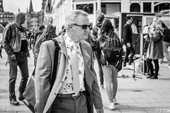Dapper Dan (Cycling-Road-Hog) Tags: blackwhite candid canoneos750d citylife colour efs55250mmf456isstm edinburgh edinburghstreetphotography fashion monochrome people places princesstreet scotland shades street streetphotography streetportrait style urban