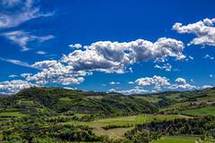 Nuvolette sull'Appennino – Small clouds on the Appennino hills (Roberto Marinoni) Tags: brisighella emiliaromagna appennino ravenna colline hills nuvole clouds verde green