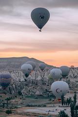 DSCF8027 (KirillSokolov) Tags: yellow kappadokia fujifilm fujifilmru xtrance mirrorless xt2 travel trip goreme turkey турция гореме путешествия фуджи беззеркалка воздушныйшар balloons sky landscape sunrise рассвет пейзаж
