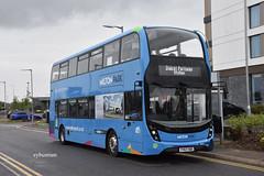 Courtney Coaches Bracknell YY67HDO. (EYBusman) Tags: courtney coaches buses bracknell berkshire municipal bus coach reading transport dicot oxfordshire milton park alexander dennis enviro 400 mmc yy67hdo eybusman