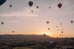 DSCF7689 (KirillSokolov) Tags: yellow kappadokia fujifilm fujifilmru xtrance mirrorless xt2 travel trip goreme turkey турция гореме путешествия фуджи беззеркалка воздушныйшар balloons sky landscape sunrise рассвет пейзаж