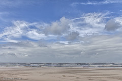 White Clouds (Pieter Musterd) Tags: pietermusterd musterd canon pmusterdziggonl nederland holland nl canon5dmarkii canon5d denhaag 'sgravenhage thehague lahaye kijkduin strand zee
