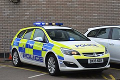 BX15 NZH (S11 AUN) Tags: leicestershire leics police vauxhall astra sports tourer estate safer roads team srt anpr video equipped traffic car response 999 emergency vehicle bx15nzh