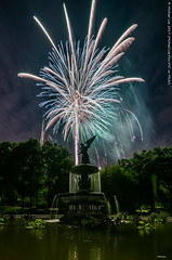 New York Philharmonic Fireworks (20190612-DSC06363) (Michael.Lee.Pics.NYC) Tags: newyork centralpark bethesdafountain angelofthewaters fireworks newyorkphilharmonic concertinthepark night longexposure sony a7rm2 laowa12mmf28 magicshiftconverter