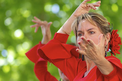 Flamenco (Xtian du Gard) Tags: xtiandugard portrait femme woman art danse flamenco geste rouge red carmen