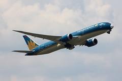 B787 VN-A863 Frankfurt 18.05.19-4 (jonf45 - 5 million views -Thank you) Tags: airliner civil aircraft jet plane flight aviation frankfurt am main international airport eddf germany b787 787 789 b789 vietnam airlines boeing 7879 vna863