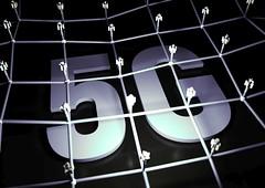 5G Netzwerk - Weiß (Christoph Scholz) Tags: 5g internet der dinge things 4g speed latenz ausbau telekom www frequenzen auktion online mobilfunk handy echtzeit strahlen belastung autonomes fahren smart home digitalisierung